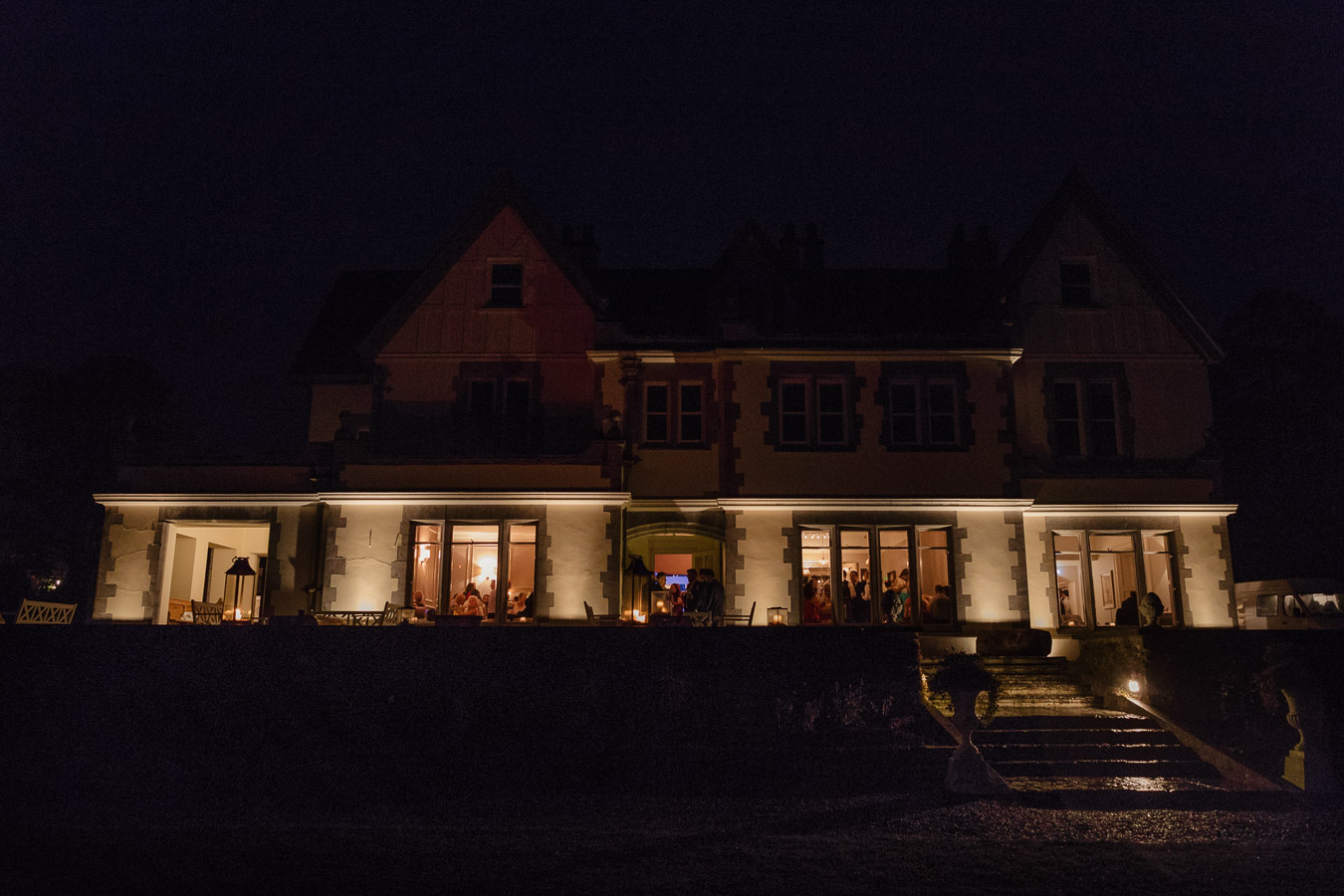 Dromquinna manor at night