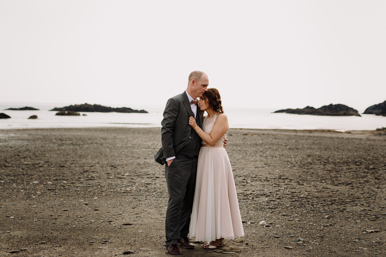 owenahincha beach wedding